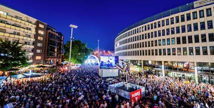 Festbühne auf dem Berliner Platz
